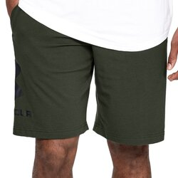 SHORT UNDER ARMOUR SPORTSTYLE COTTON LOGO VERDE Cod:1329300-357